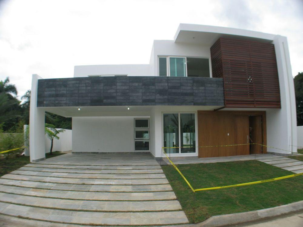 5442 amplia casa de estilo minimalista amplia con buen for Casas estilo minimalista