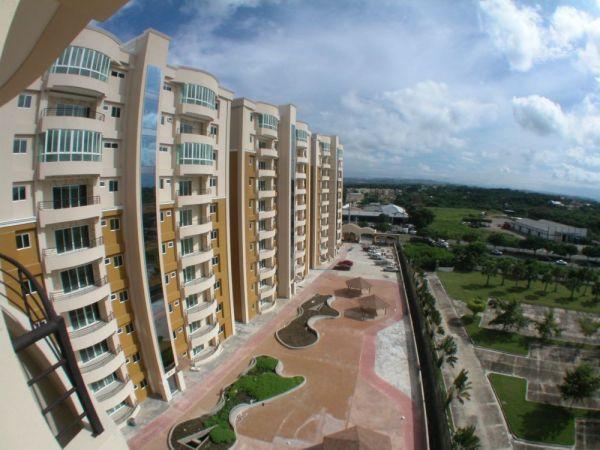 Amplio Penthouse 4 habitaciones 4 1/2 banos 3 parqueos 424 MT2 | Bienes Raices Republica Dominicana