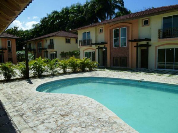 Towhnhouse en 10 minutos a pie de la Playa y el centro de la ciudad | Bienes Raices Republica Dominicana